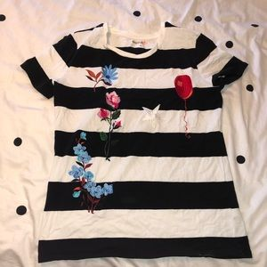NEW WITHOUT TAGS super cute striped tee!